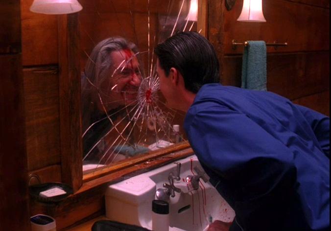 アニーはどうしたぁ?クーパーに憑依した殺人鬼ボブは笑い続ける。