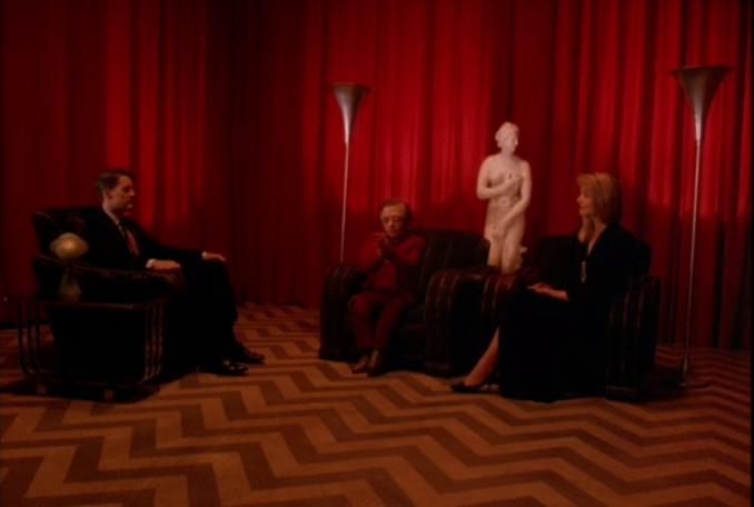25年後の自分が赤い部屋にいる夢を見て、クーパーは犯人を確信。