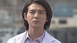 五島 健介(吉岡 秀隆)